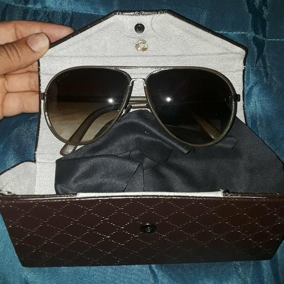 4b8c2a3af46 Gucci Accessories - Authentic Gucci leather frame aviator sunglasses